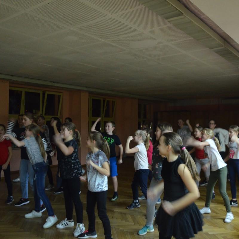 Mikołajki w grupach tanecznych